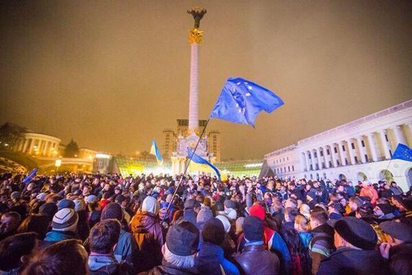 Один з перших днів Євромайдану f0503c1552ef1