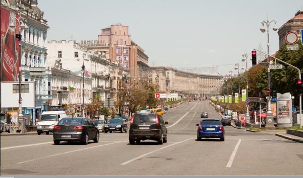У Києві немає пішохідної вулиці. Практично в усіх обласних містах  центральну вулицю віддали пішоходам. Прогулятися у центрі без машин можна  навіть у ... 3971eef52258f