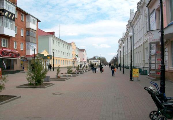 На Західній Україні центральна пішохідна вулиця є майже в усіх містечках.  На фото  пішохідна вулиця в Мукачево. 4302130e47443
