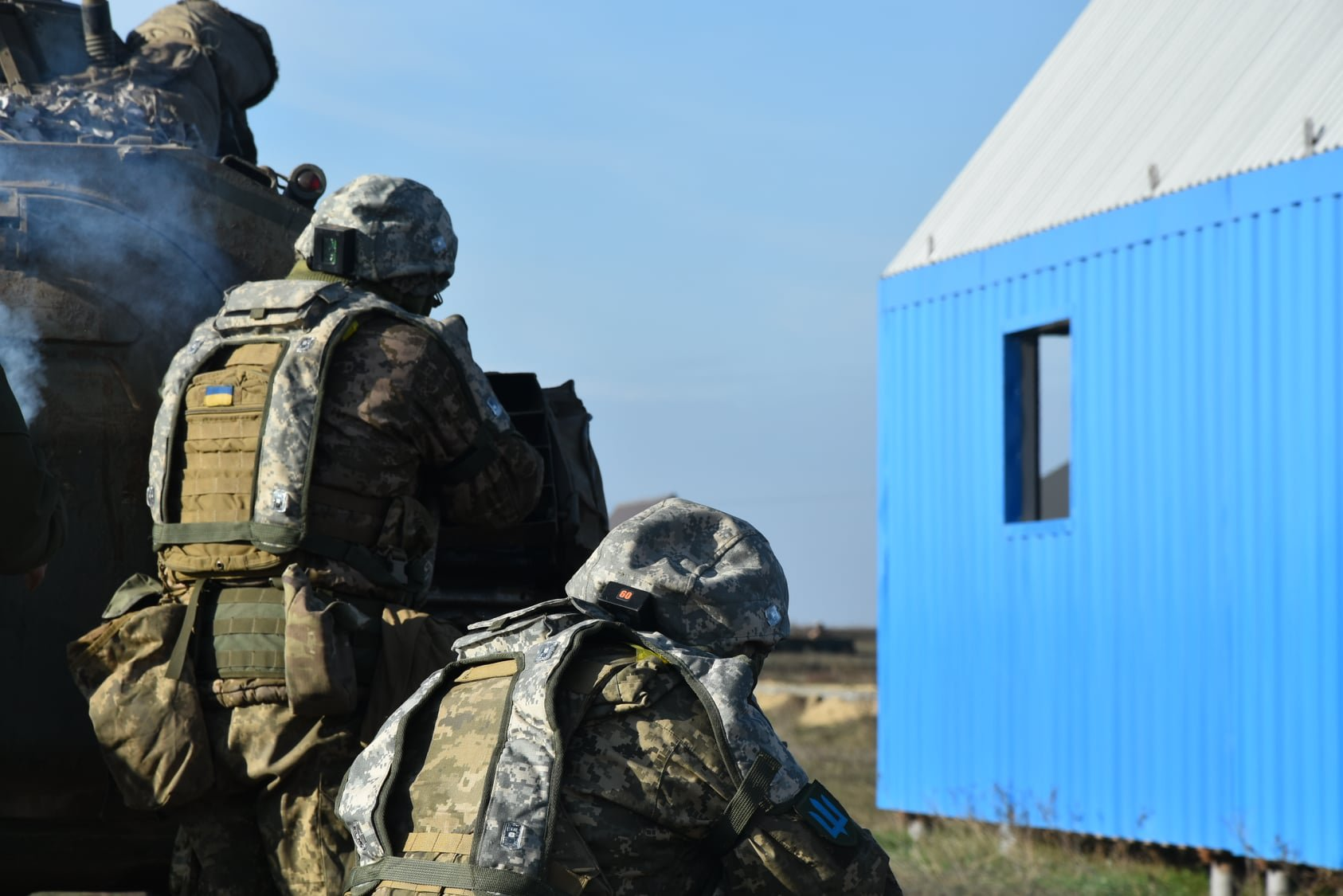 Покришки та стіни. Як на Широкому Лані тренуються воювати в умовах міста (ФОТО)