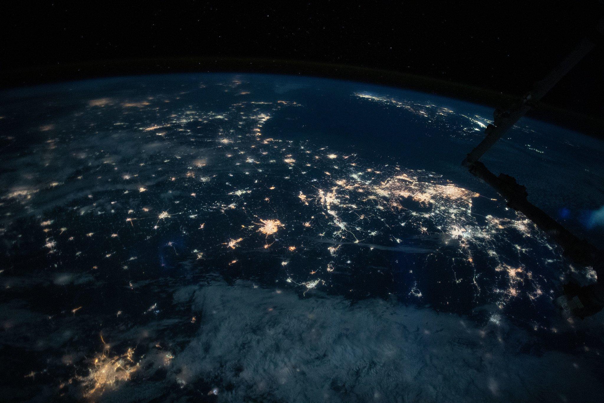Картинки с космоса ближе
