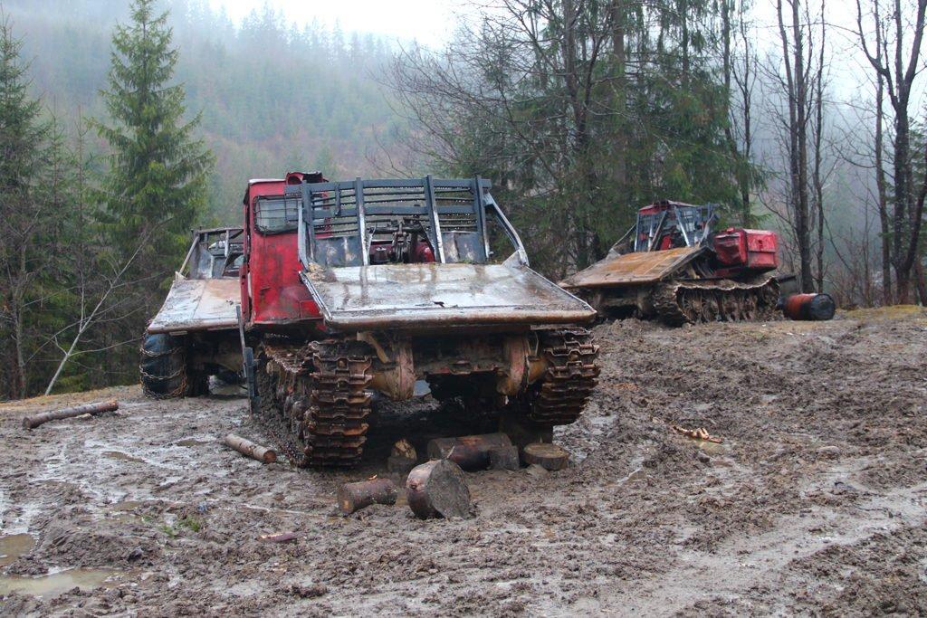 Трелювальні трактори ТДТ-55, які віднині легально нищать гірські ліси